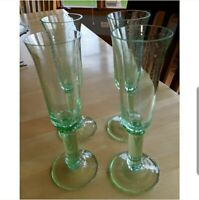Set of 4 green glass champagne flutes