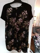 Beautiful ladies dress from Dorothy perkins collection ,brand new ,size 20,