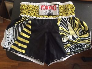 YOKKAO Muay Thai Boxing Shorts Carbonfit Tribal Mask Yellow Fusion M -NWOT