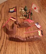 Vintage Plastic toy soldiers Sandbag Walls & Flags Small Lot