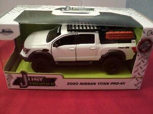 Jada 2020 Nissan Titan Pro-4x pickup truck  1/32 scale NIB  2021 release
