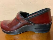 DANSKO Cabrio Leather Clog Burgundy Stapled Professional Womens Shoe EUR 39