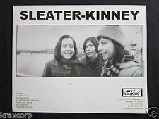 SLEATER-KINNEY—2000 PUBLICITY PHOTO