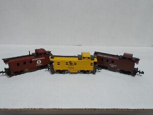 lot of 3 N gauge cabooses N scale gauge ATLAS AHM C&O AT&SF Pennsylvania