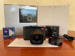 Leica q2 digital camera MINT+ BOXED
