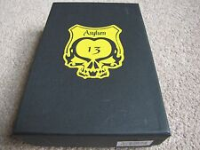Asylum 13 Cigars 3-Finger Cigar Travel Case - Black and Yellow - Cedar Lined