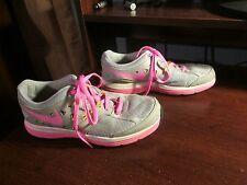 Nike Dual Fusion Lite girls shoes size 5y