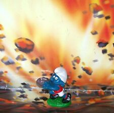 SMURFS 1978 VINTAGE SCHLEICH PEYO SMURF CATCHES THE FOOTBALL FIGURINE