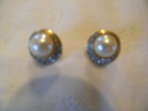 Swarovski Pearl & Diamante Earrings.