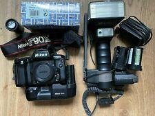Nikon F90X 35mm Spiegelreflexkamera Gehäuse + viel Zubehör