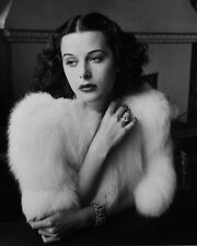 Hedy Lamarr UNSIGNED photo - B260 - GORGEOUS!!!!!
