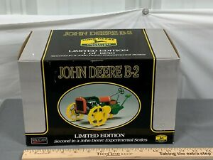 John Deere B-2 Resin Farm Tractor Replica Collectible SpecCast 1:16 NIB Dain