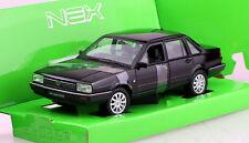 VW Santana schwarz 1:24 Welly  Modellauto / Die-cast