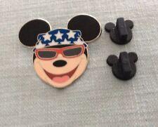Disney Pin Mickey Mouse .