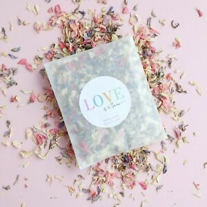 LOVE IS IN THE AIR Wedding Flower Confetti Sachet   Eco-Friendly & Biodegradable