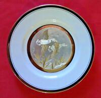 VINTAGE CHOKIN ART COLLECTIBLE PLATE DUCKS JAPAN PORCELAIN WHITE AND GOLD (B2)