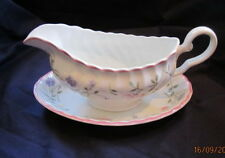 JOHNSON BROTHERS SUMMER CHINTZ   GRAVY BOAT AND STAND