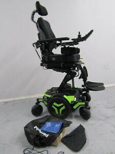 2020 Permobil M3 Chaise Roulante, Puissance Inclinaison, Legs Lift Et Lumière 0