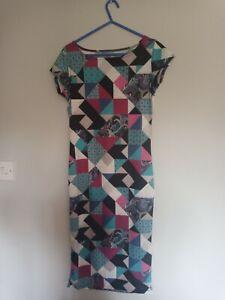 Patterned ladies dress size m/l