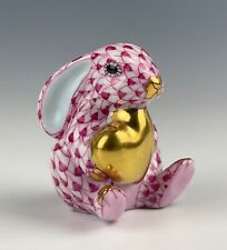 HEREND FISHNET BUNNY WITH HEART RASPBERRY MINT CONDITION!!