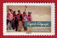timbre autocollant n° 807a, Esprit équipe à l'unité, issu carnet valeur de femme