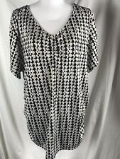 Fashion Bug Top Women's Plus Sz 2X  Black Tan Geometric Gathered V Neck