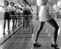 Vintage 1942 8x10 Photo ** TAP DANCING COLLEGE GIRLS ** Legs Leggy Beautiful Art