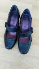 clarks cushion soft shoes size 5.5