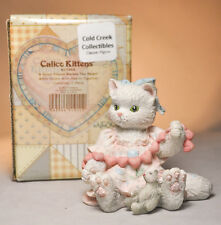 Calico Kittens: A Good Friend Warms The Heart - 627984 - White Kitten & Hearts