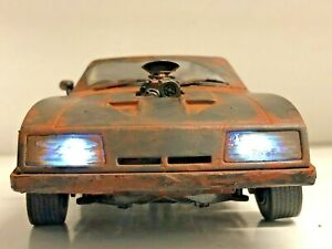 """FURY ROAD"" Weathered 1973 Ford Falcon WORKING POLICE LIGHTS ""MUDDY 1/18 Mad Max"