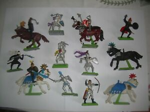 Britains Deetail 15 Pieces Knights & Saracens