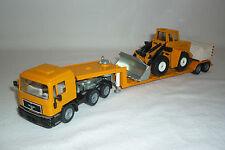 """ SIKU "" MODEL - MAN - LOW LOADER WITH CONSTRUCTION MACHINE - 3912"