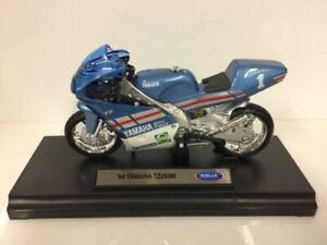 Yamaha TZ250M 1994 Bleu Argent 1:18 Echelle Welly 19666