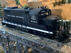 HO Scale PROTOR 2000 GP20 DCC Ready Diesel Locomotive NYC NEW YORK CENTRAL new!