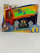 Disney Pixar Toys Story Pzza Planet Play Set With Buzz And Alien Featuring Claw