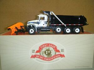 Mack Granite Dump with Plow & Spreader 1/34 scale - First Gear - MIB