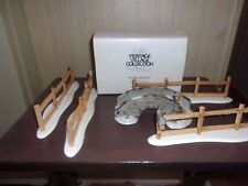 DEPT 56 DICKENS Stone Bridge 6546-3 and Split rail fence set of 4 with mailbox