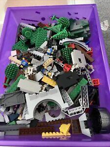 LEGO Castle Vintage/Modern Bundle Spares Minifigures / Walls / Wheels / Trees++