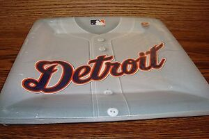 "MLB * DETROIT TIGERS Baseball Party-10 1/2"" Plates  #18 Count package"