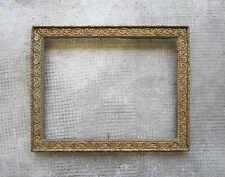 Ancien beau cadre en bois et stuc doré dimensions de la feuillure : 24 x 18,3 cm