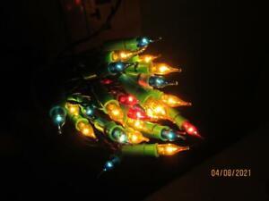 VINTAGE ITALIAN 35 MINIATURE MULTI COLORED GREEN PLUG STRING OF CHRISTMAS LIGHTS