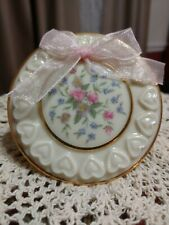 LENOX Porcelain Trinket Box w/ Inner Cushion & Decorative Flowers and Hearts 3.2