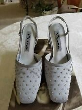 """NINA """"MARIUS"""" Womens Evening Shoe preowned 8M. Dusty Silver Satin w/silver beads"""