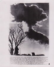 ATOMIC NUCLEAR EXPLOSION ATOM CLOUD AUSTRALIA * VINTAGE Rare 1953 press photo