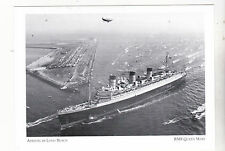 """""""RMS Queen Mary-Arrival/Long Beach""""-Met Armada/Vessels {Postcard}  (A81-1)"""