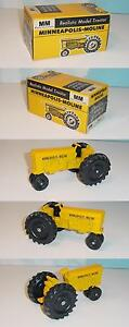 1/24 Vintage Minneapolis Moline M-602 Tractor W/Closed Box! Hard To Find!