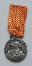 VEUVE CLICQUOT PONSARDIN Médaille d'honneur  COLLECTABLE USED