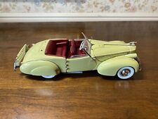 New ListingFranklin Mint 1:24 Diecast Model 1940 Packard Darrin