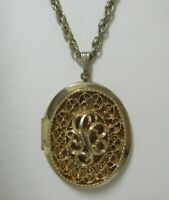 Vintage Gold Tone Filigree Sarah Coventry Heirloom Locket Necklace