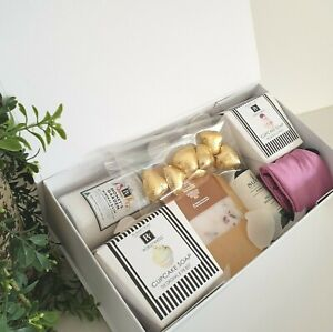 WOMANS GIFTS/HAMPERS/ BODY CREAMS,LOOFAH/CANDLES/ BATH SALT /REED DIFUSSER FOR A